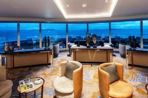 nicko cruises - die observations lounge